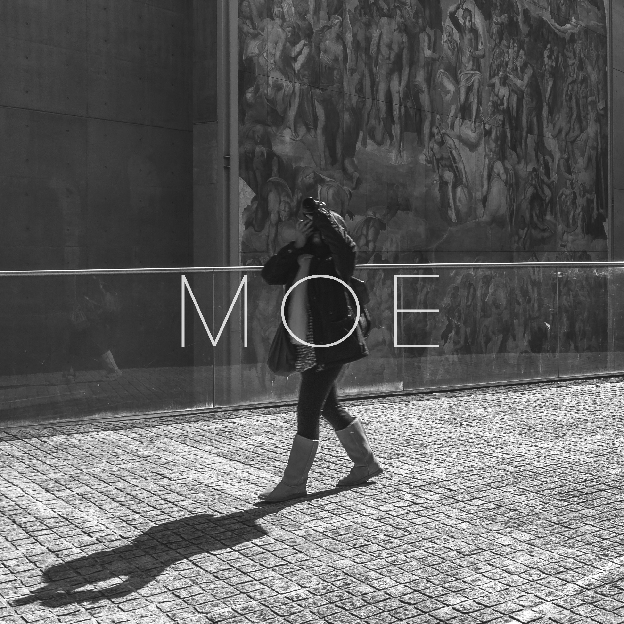 moe-about3